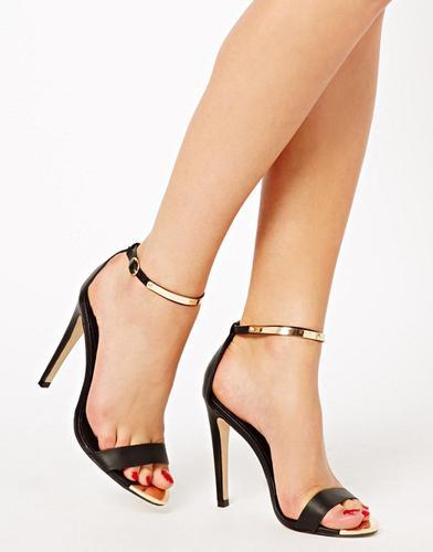 Tacones tipo sandalia 8